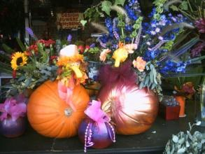 PARTY,  Thanksgiving, REAL pumpkin flower arrangement, Table Set